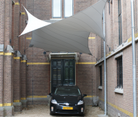 Design overkapping van zeil doek als design carport