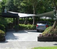 Design overkapping met zeildoek als design carport